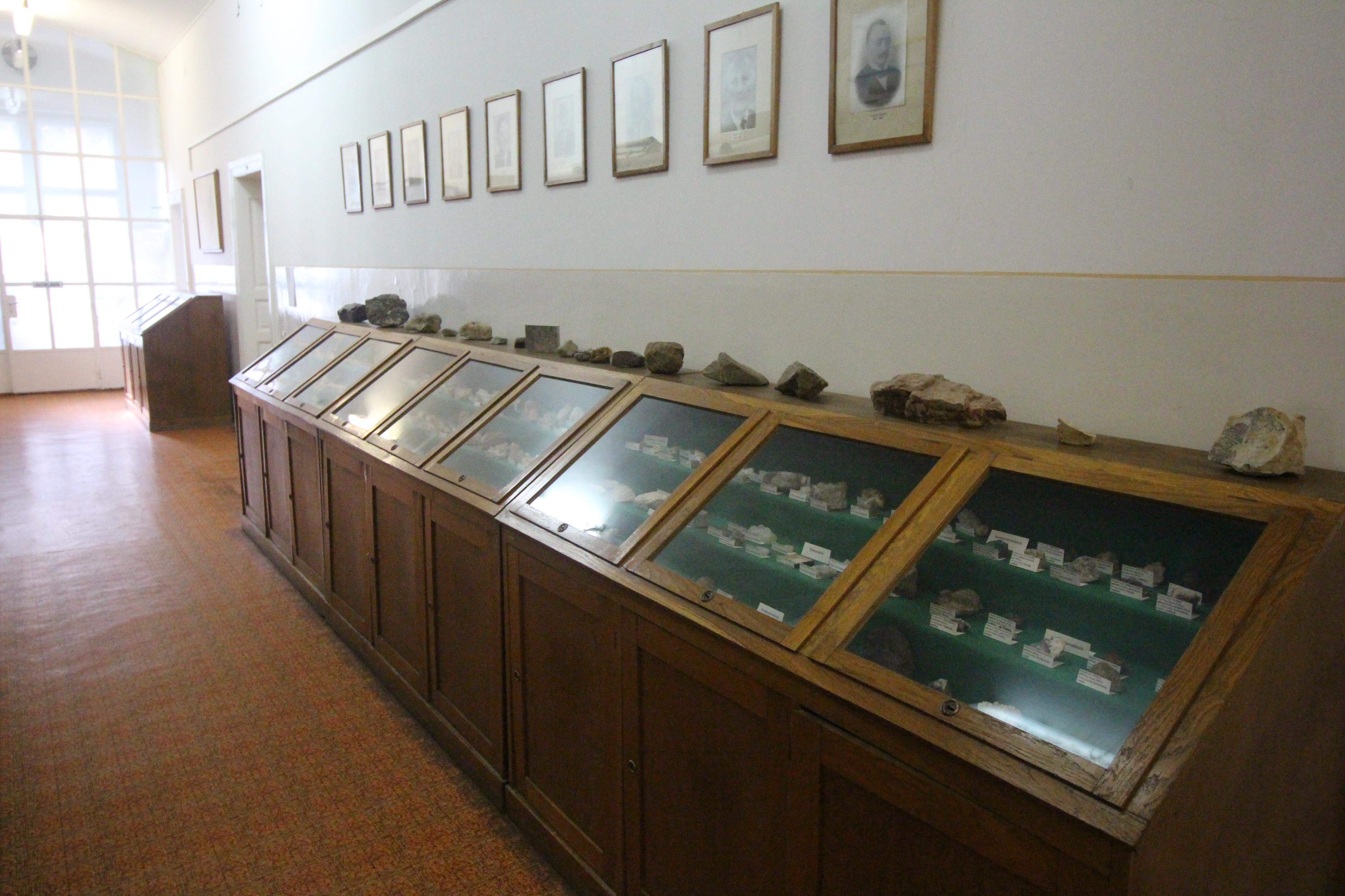 Ásvány- és közetgyűjtemény